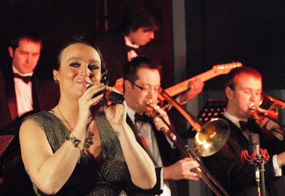 senjajingga: Classical String Quartet: BOND!